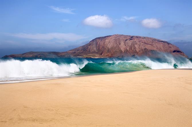 Lanzarote's 10 most popular beaches