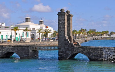 Walk or cycle from Arrecife to Playa Honda
