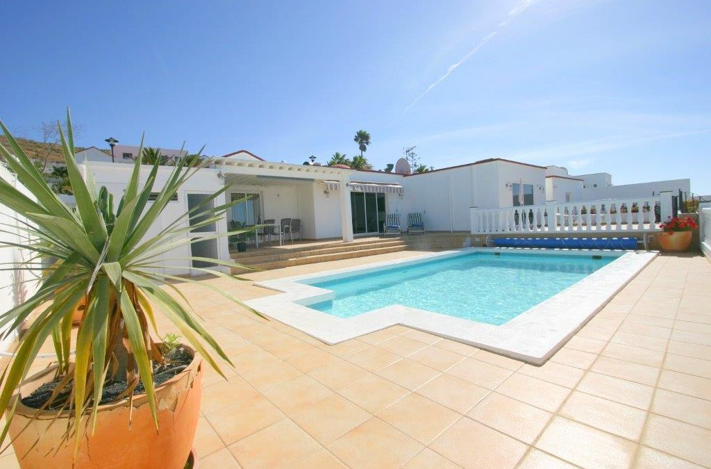 CASA GALLES 29 MARCH – 12 APRIL 95gbp per night for 2