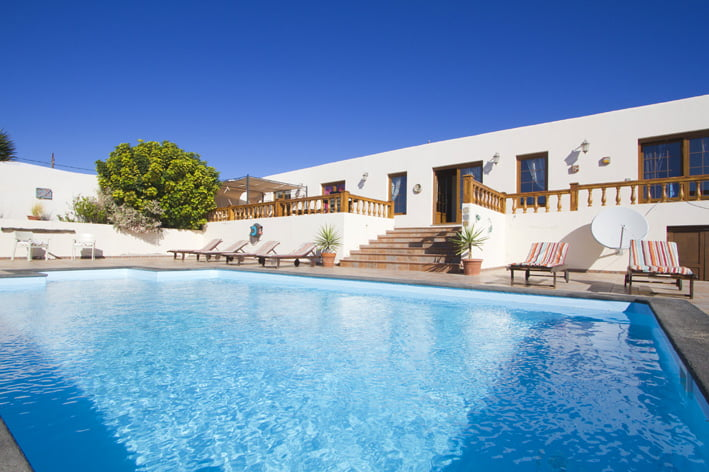 June 4-23 – Villa Mercedes just 950€ for two people per week!